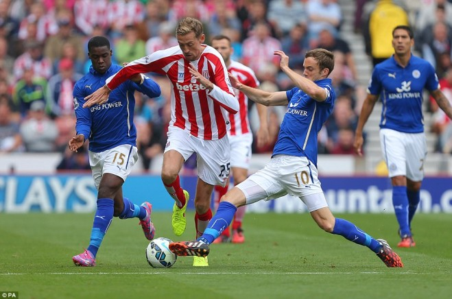 1410620886049_wps_10_Stoke_City_s_Peter_Crouch-659x436